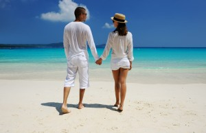 couple-beach-walk-1