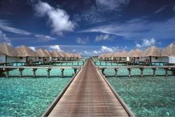 maldives-eee_caranddriving_com_