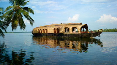 kumarakom-backwater-houseboat