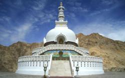 shanti-stupa-12