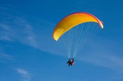 manali paraglider-big